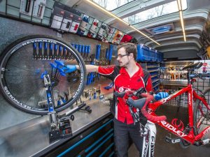mechanic_mobile__bike_proshop_velofix_-_ron_sombilon_photog